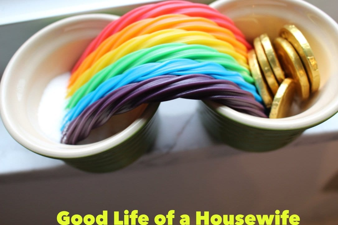 St. Patrick's Day Fun. Grow a rainbow. Good Life of a Housewife | www.goodlifeofahousewife.com