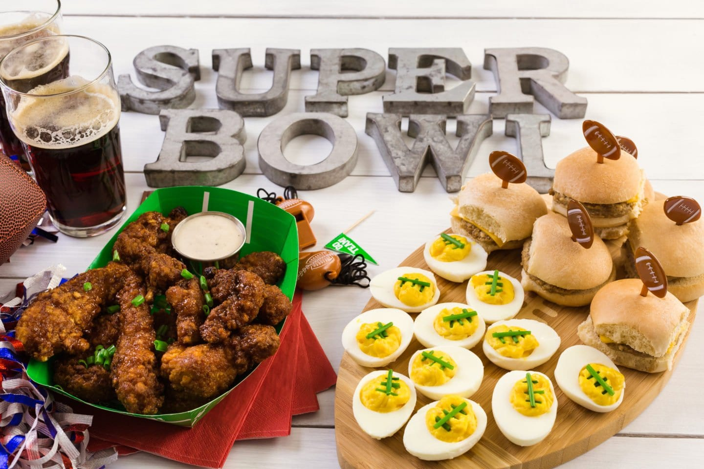 29 Easy Appetizers, Dips, Main Dishes and Desserts For A Super Bowl Party