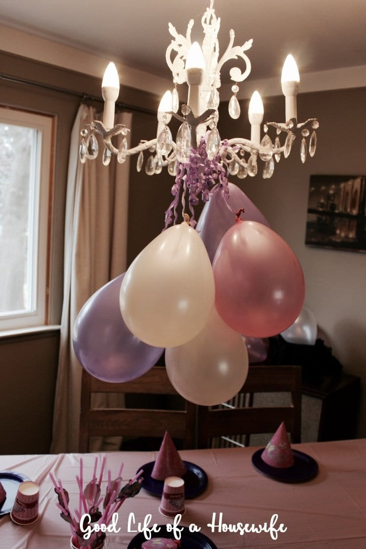 Clever ways to decorate with balloons for a toddler party