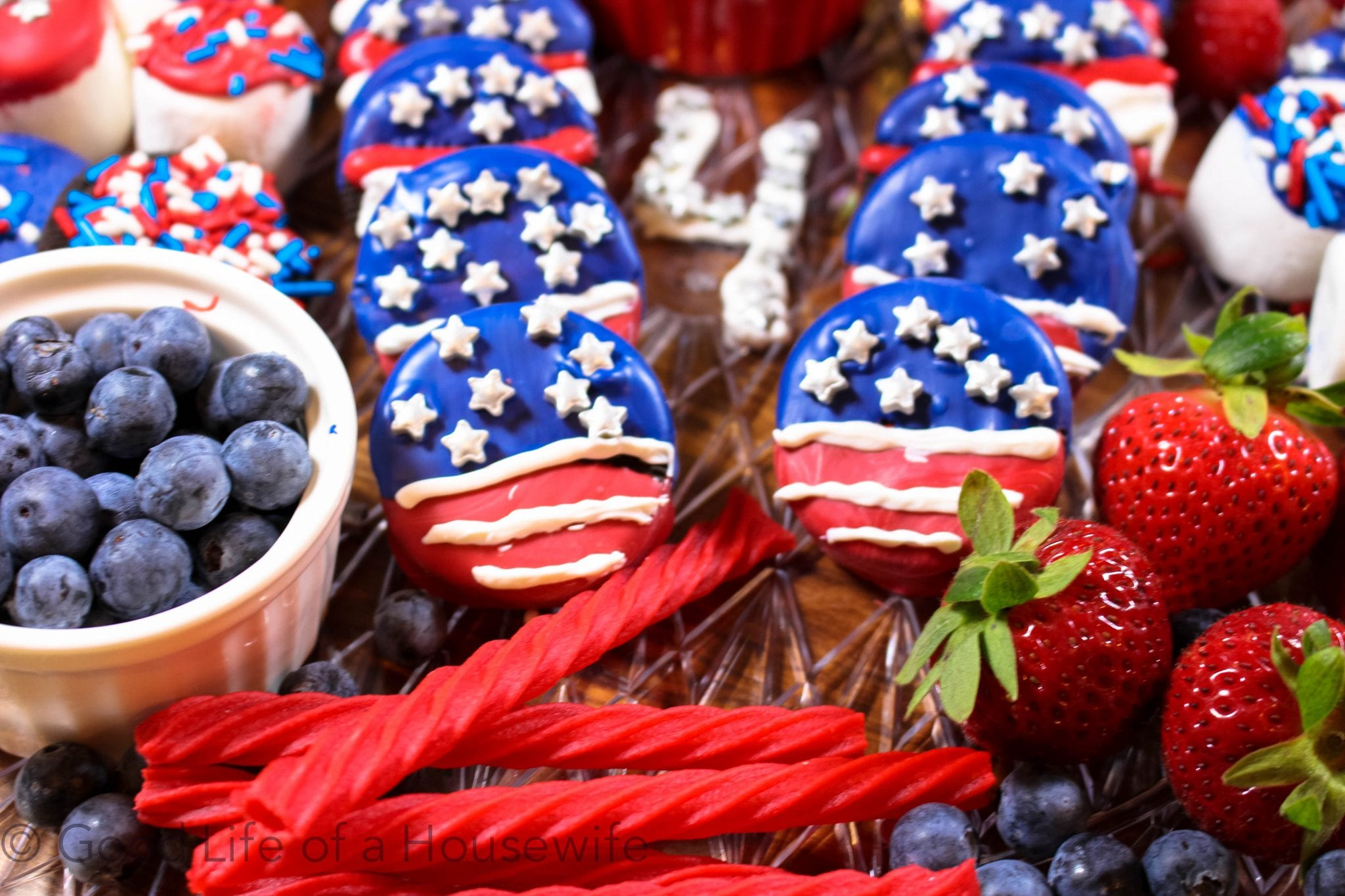 Red, White and Blue Flag Oreos